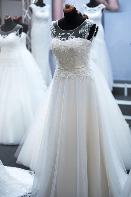 La beauté d'une robe de mariée à la plage