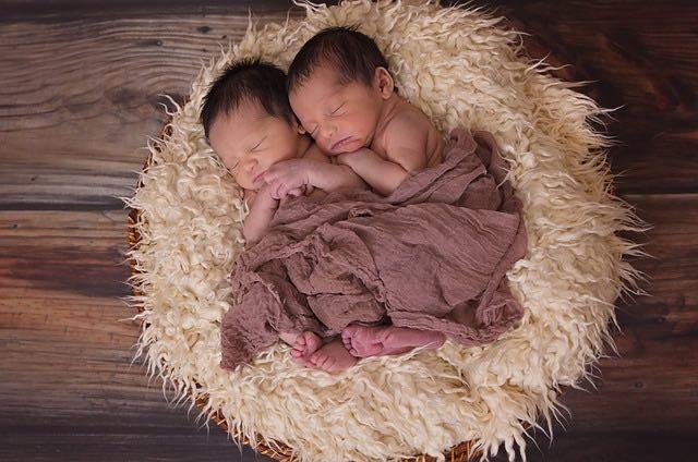 Adopter des enfants du même âge: le point de vue d'un parent