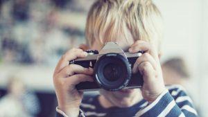 Comment initier un enfant à la photographie ?