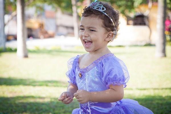 Cadeau pour enfant : la panoplie de princesse pour les fillettes