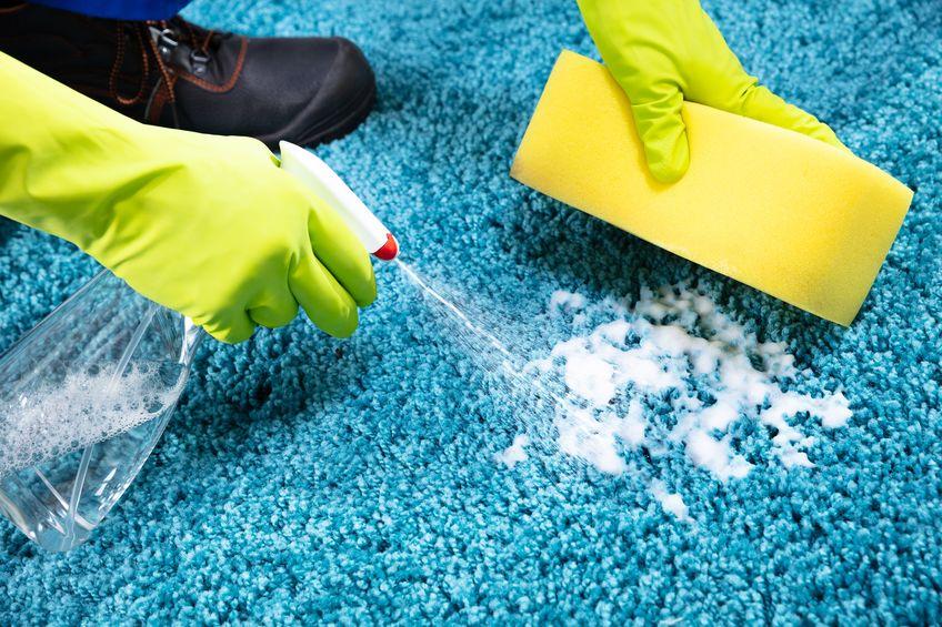 Sauver votre tapis avec ces astuces de nettoyage